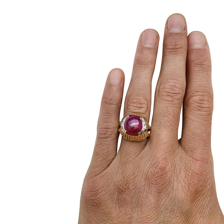 Burmese Ruby Cabochon on a 1950s Cocktail Ring For Sale 4