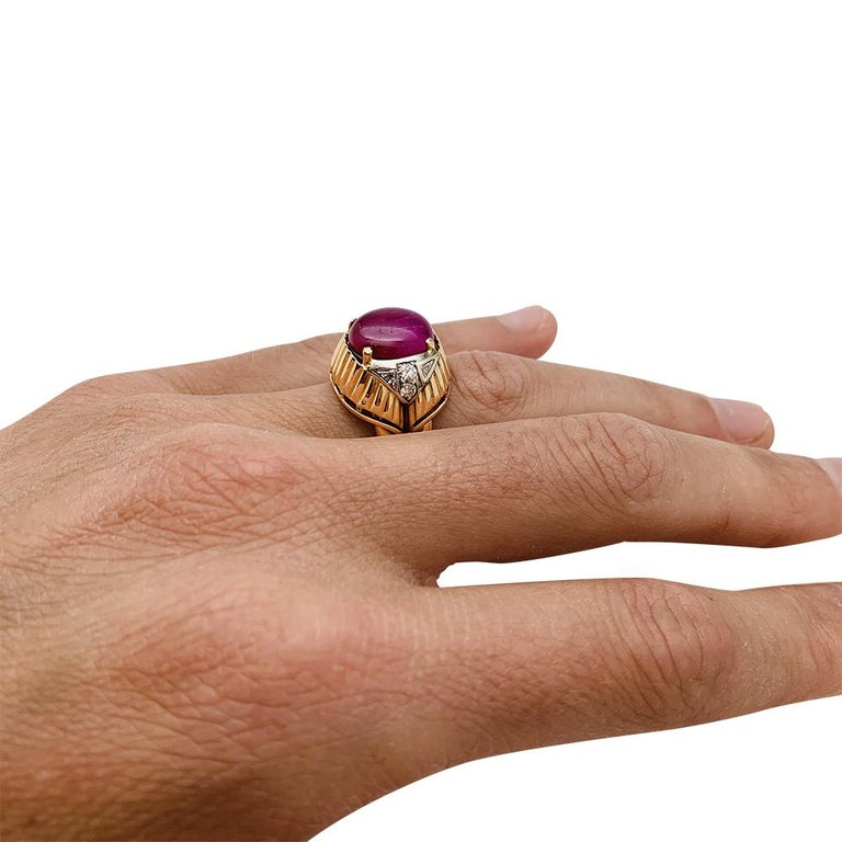 Burmese Ruby Cabochon on a 1950s Cocktail Ring For Sale 5