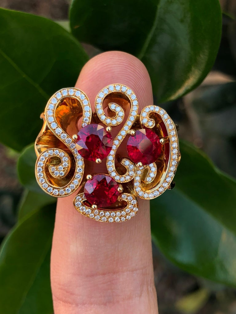 Modern Burma Ruby Ring 3.82 Carats For Sale