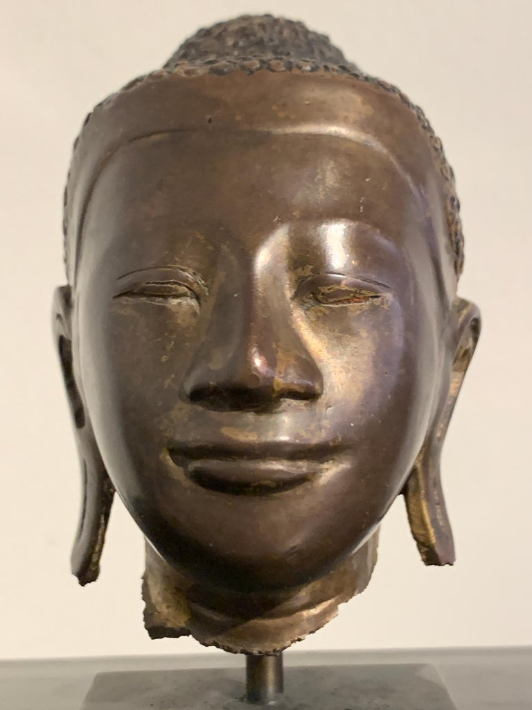 Burmese Small Bronze Mounted Head of the Buddha, Mandalay Period, 19th Century  For Sale 3