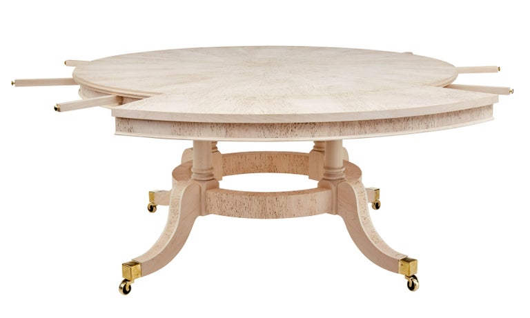 Burr Birch Circular Extending Jupe Dining Table In Excellent Condition For Sale In Debenham, Suffolk