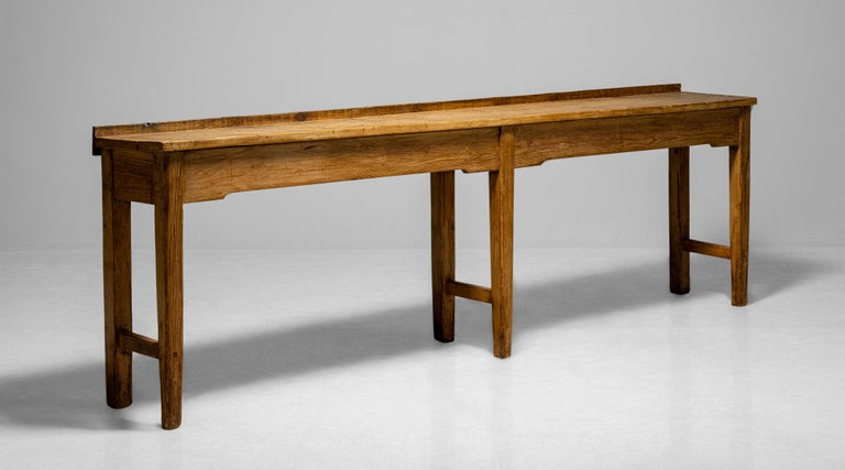 Butchers Bench Work Table, England circa 1890 In Good Condition For Sale In Culver City, CA