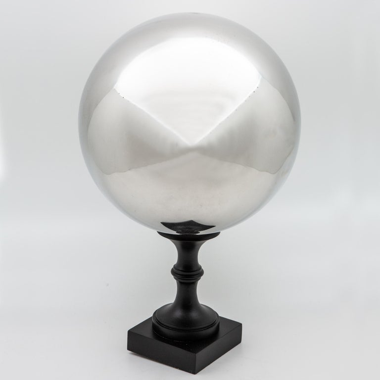 Butler's Ball In Good Condition For Sale In New York, NY