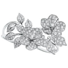 Butterflies and Blossom Ring in Diamonds and 18K White Gold by Édéenne, Paris
