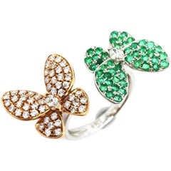Butterfly Ring with Emerald and Diamond in 18 Karat White Gold