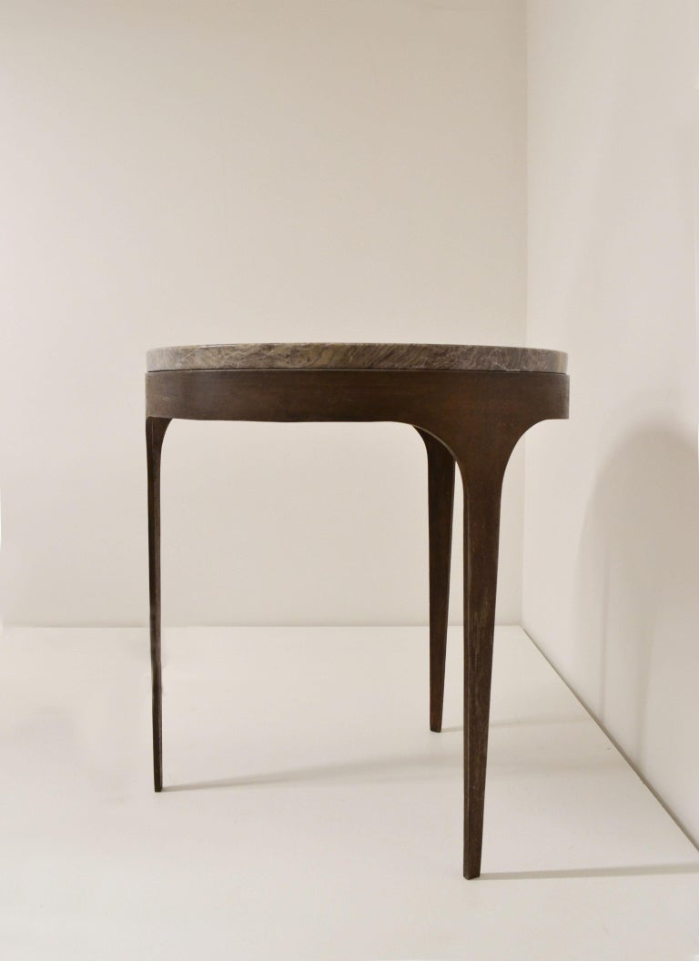 'Button' Centre / Coffee Table in Italian Viola Marble In New Condition For Sale In Madrid, ES