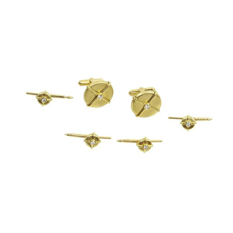 Button Cufflinks and Shirt Stud Dress Set in Diamonds and Gold In Excellent Condition For Sale In Montreal, QC