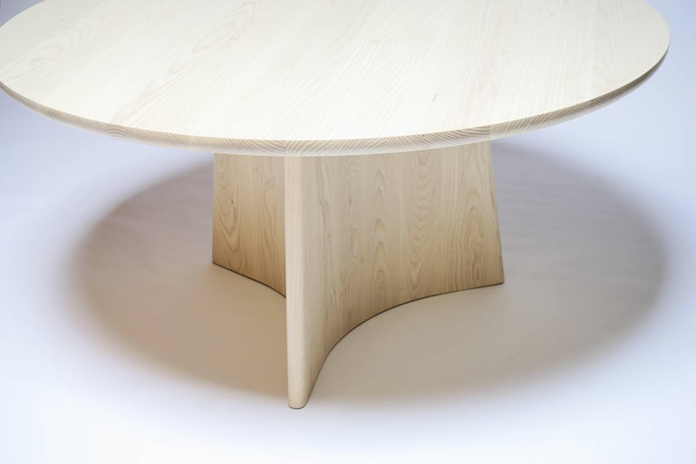 Button Round Pedestal Dining Table in Bleached Solid Ash For Sale 1