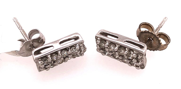 Button White Gold Earrings with 16 Diamonds For Sale 2