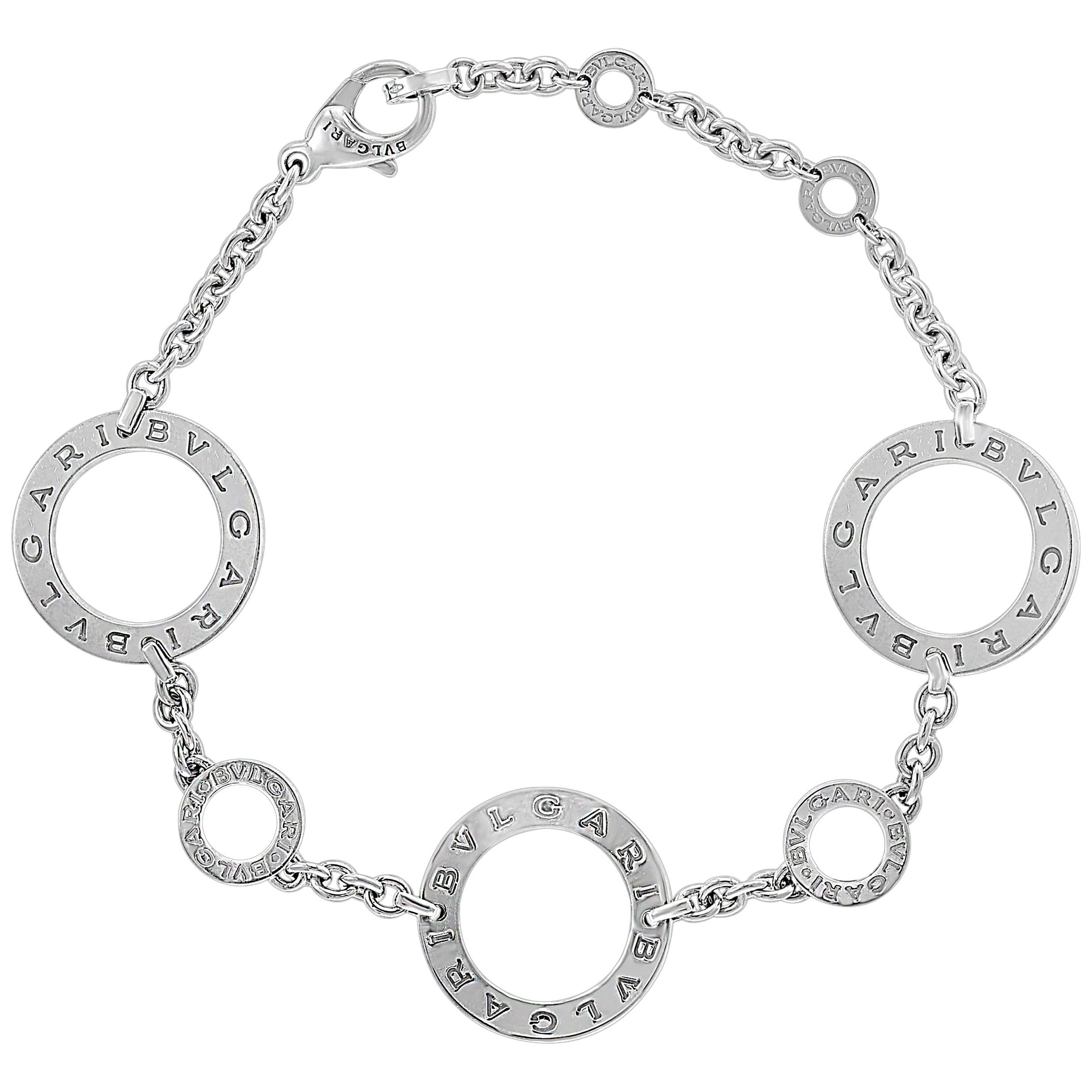 23d04d10fd663 Late 20th Century Chain Bracelets - 103 For Sale at 1stdibs