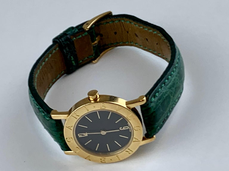 A Stylish Bvlgari Dress Watch Reference :BB 26 GL.  This Lovely Great Value Bvlgari Dress Watch Is In Good Condition.   Please Refer Pictures Are Of The Exact Watch Being Offered. The Case Is Made Of A High-Polished Finished 18k Yellow Gold With A