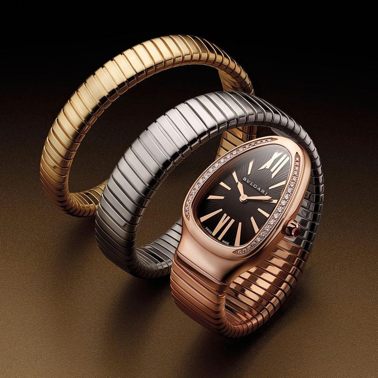 Merging two of the most iconic symbols of Bvlgari design, the Serpenti Tubogas watch coils the sinuosity of the snake with the contemporary soul of tubogas. Evoking both the sensual curves of a woman and the fluid shape of the serpent, the timepiece