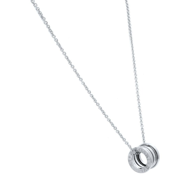 B.Zero1 small round-shaped ring pendant in 18k white gold, on the matching 16