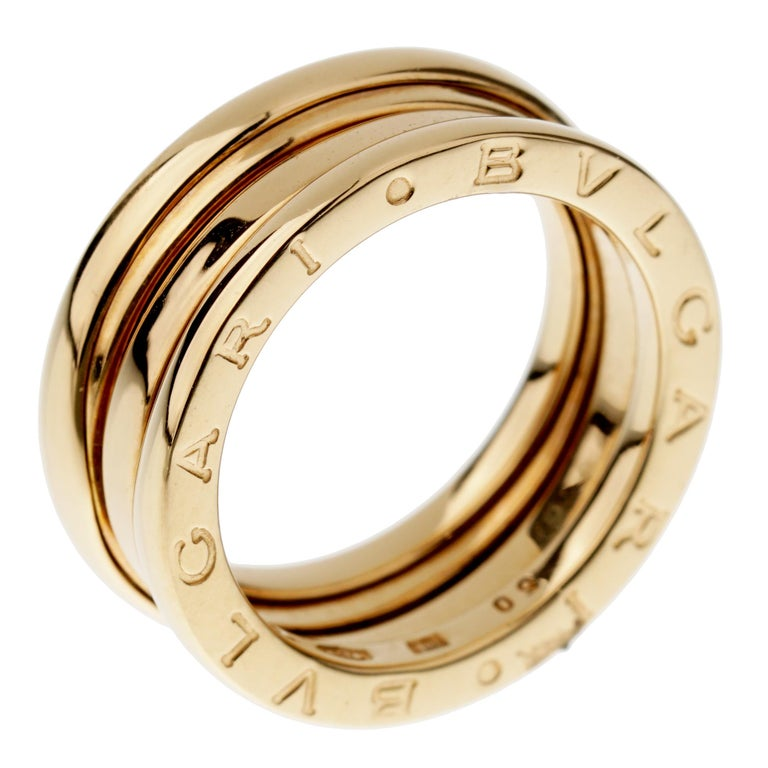 A fabulous staple to add to your Bvlgari collection from the Bzero1 collection showcasing strong bold lines in 18k yellow gold. The ring measures a size 5 and can not be resized.