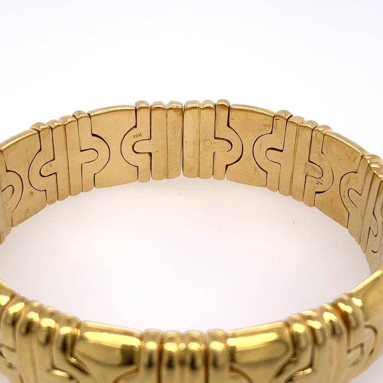 Classic Parentesi 18k yellow gold bracelet by Bvlgari. Bracelet will fit approx. 6.5