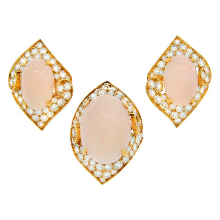 Bvlgari Coral Diamond Gold Ring and Earrings Set Bulgari
