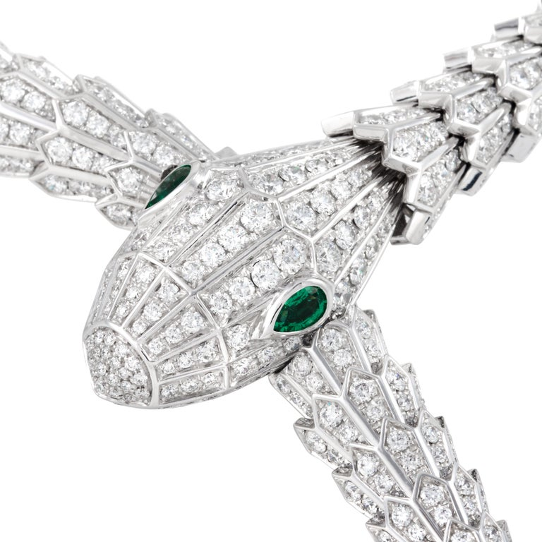 Bulgari Serpenti Diamond Snake Necklace with Emerald Eyes in 18 Karat White Gold In Excellent Condition In Philadelphia, PA