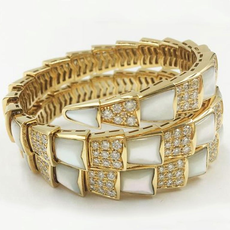 Bvlgari Serpenti Mother of Pearl 18 Karat Yellow Gold Wrap Around Pave Bracelet In New Condition For Sale In Miami, FL