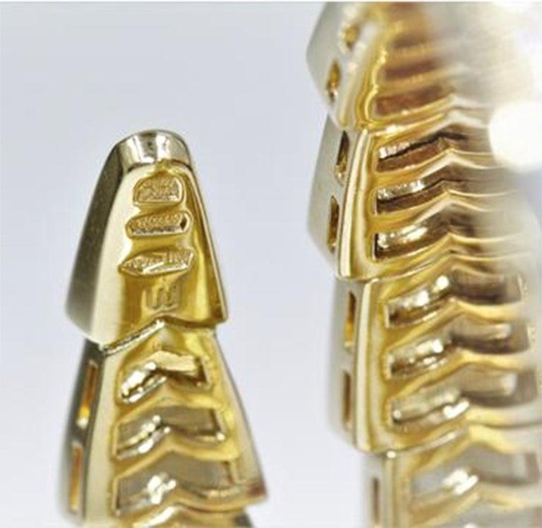 Bvlgari Serpenti Mother of Pearl 18 Karat Yellow Gold Wrap Around Pave Bracelet For Sale 1