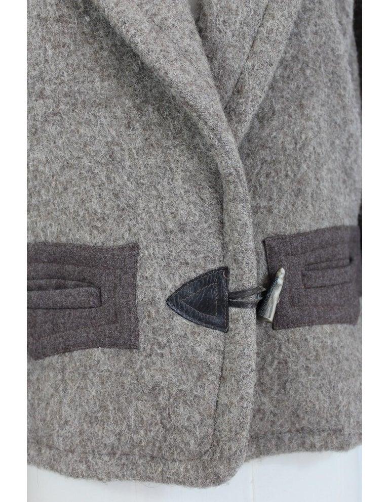 Byblos Brown Beige Wool Short Casual Coat For Sale 2