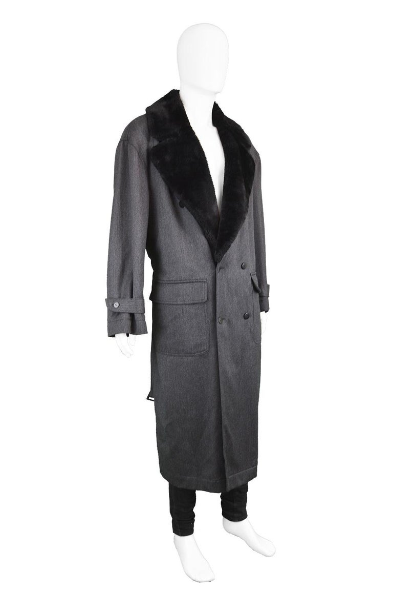 Byblos Men's Vintage Fine Grey Wool Overcoat with Black Faux Fur Collar, 1990s  For Sale 3