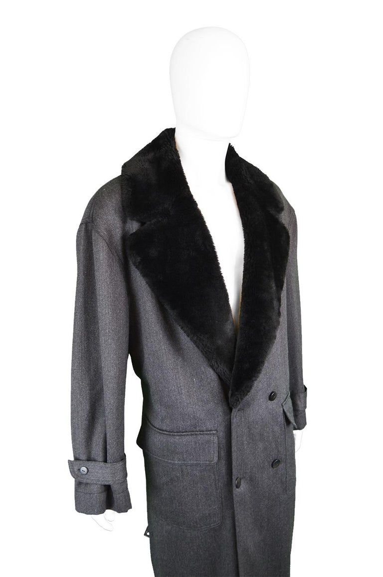 Byblos Men's Vintage Fine Grey Wool Overcoat with Black Faux Fur Collar, 1990s  For Sale 4