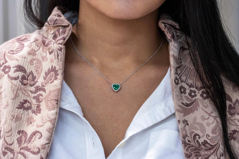 C. Dunaigre Certified Colombian Emerald and Diamond Halo Pendant Necklace In New Condition For Sale In New York, NY