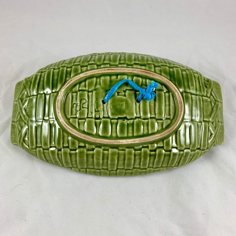 C. Rainha Midcentury Trompe L'oeil Palissy Style Fish and Vegetable Wall Plaque For Sale 5