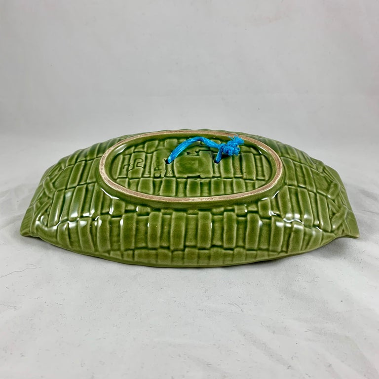 C. Rainha Midcentury Trompe L'oeil Palissy Style Fish and Vegetable Wall Plaque For Sale 6