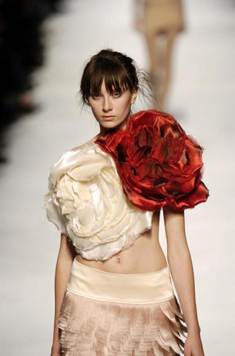 c. Spring 2005 Issey Miyake Vibrant Pink Backless Pleated Origami Flower Top For Sale 7