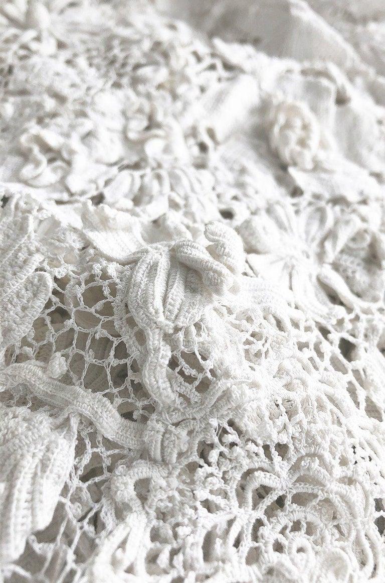 c.1900s Antique Handmade White 3D Floral Irish Crochet Lace Jacket For Sale 5