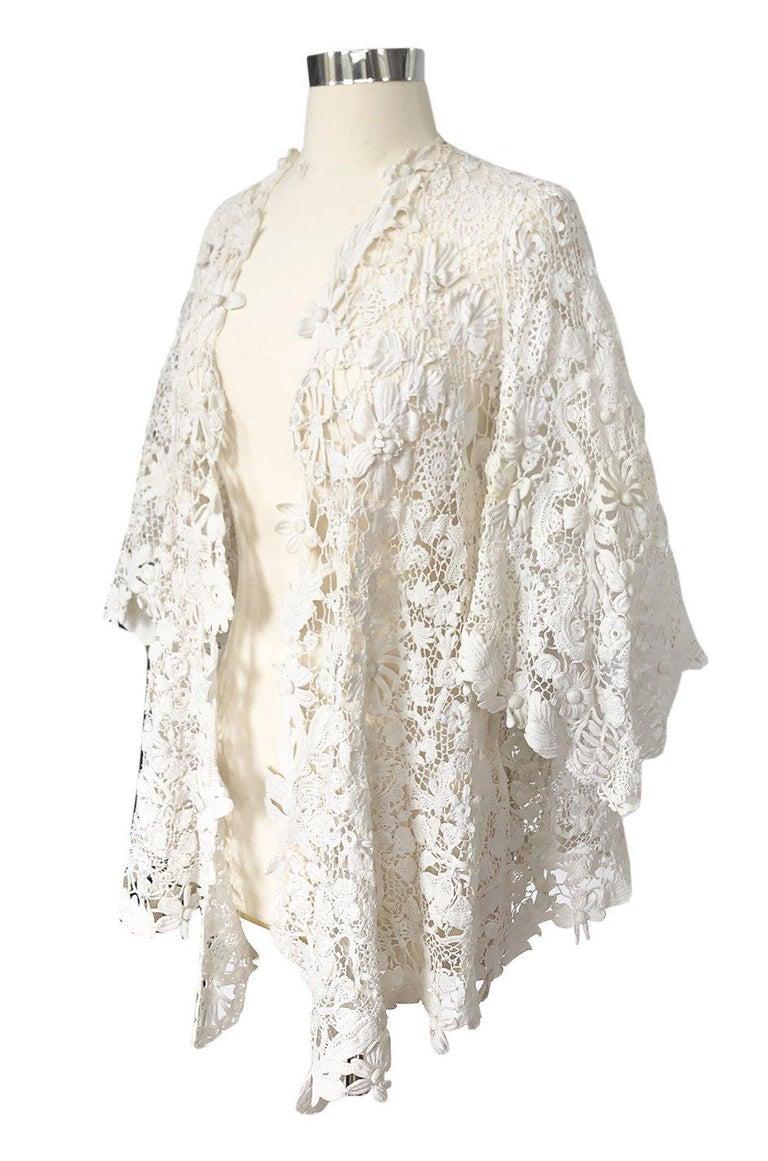 Women's c.1900s Antique Handmade White 3D Floral Irish Crochet Lace Jacket For Sale