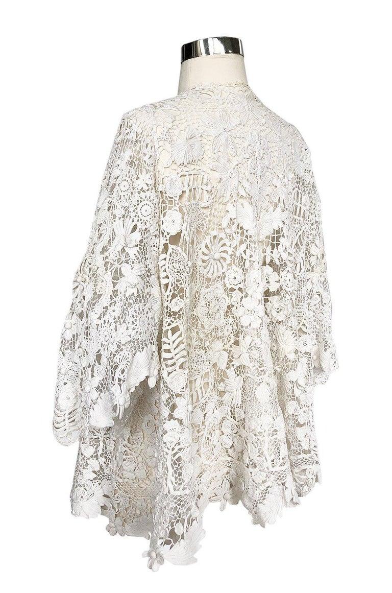 c.1900s Antique Handmade White 3D Floral Irish Crochet Lace Jacket For Sale 1