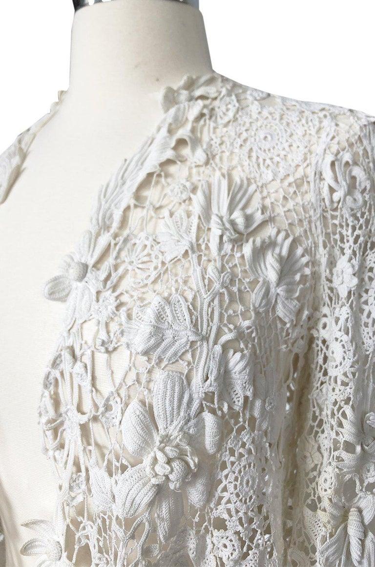 c.1900s Antique Handmade White 3D Floral Irish Crochet Lace Jacket For Sale 3