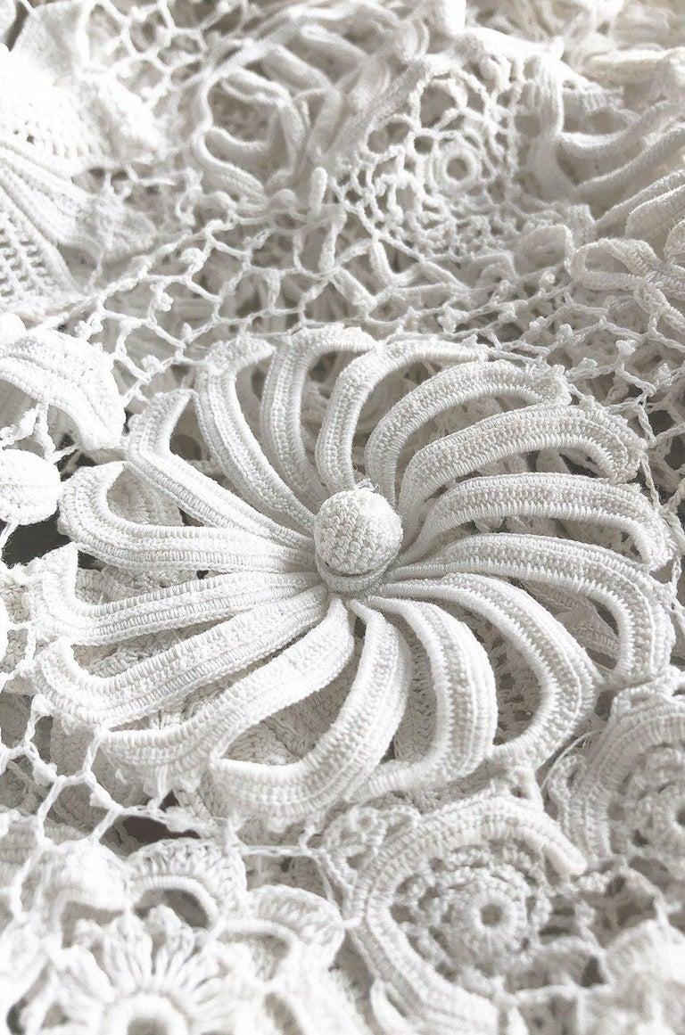 c.1900s Antique Handmade White 3D Floral Irish Crochet Lace Jacket For Sale 4