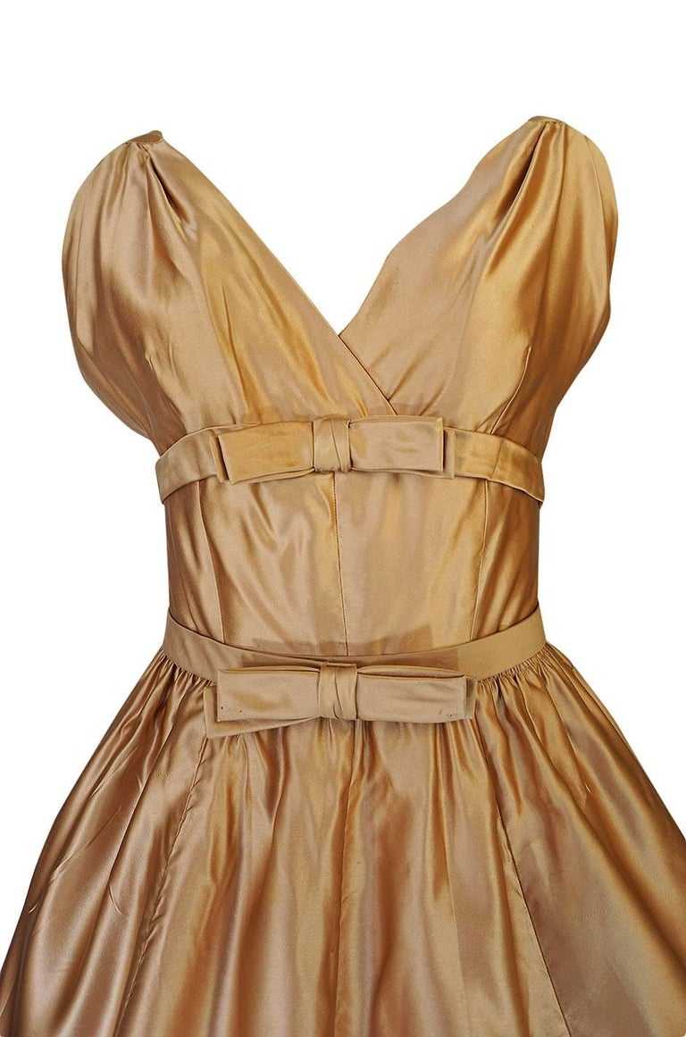 Christian Dior Demi-Couture Gold Bow Detailed Silk Dress, 1957 For Sale 1