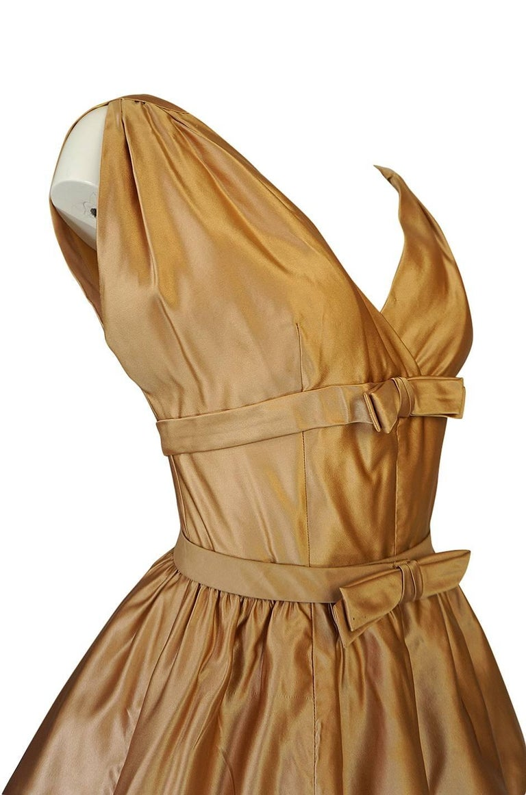Christian Dior Demi-Couture Gold Bow Detailed Silk Dress, 1957 For Sale 2
