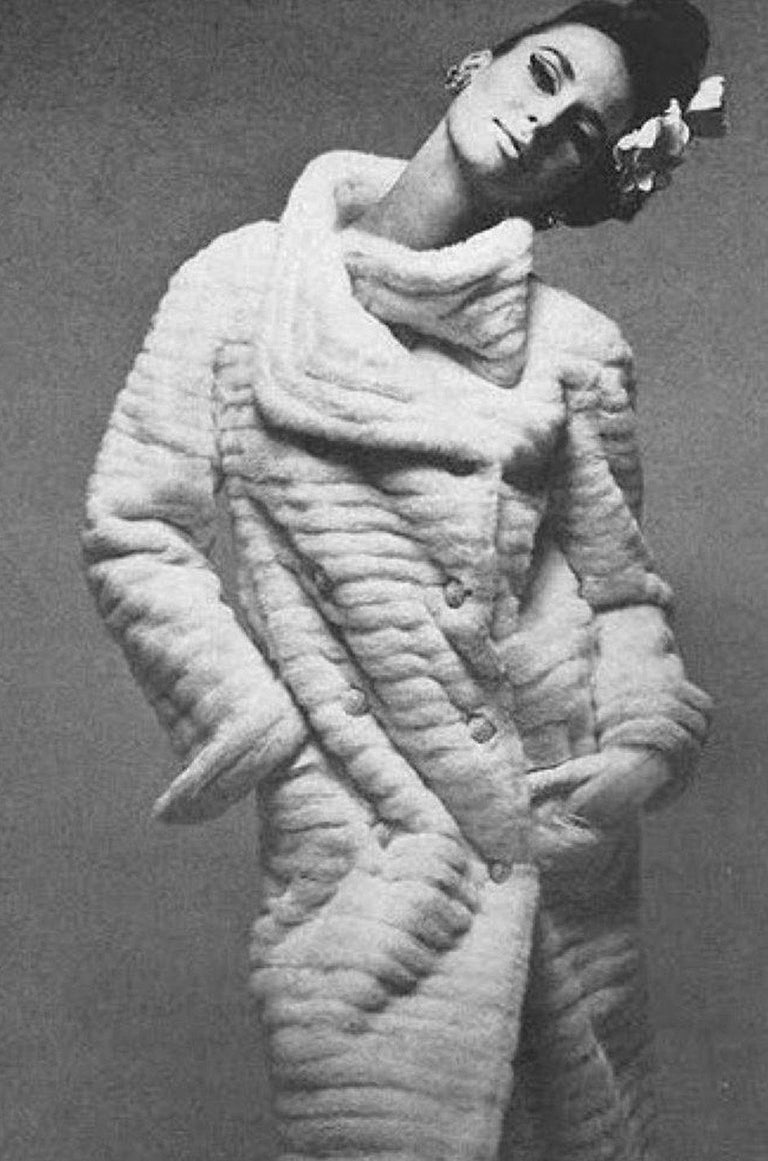 c1965 Nina Ricci Haute Couture Sheepskin Lined Ivory Silk Coat For Sale 7