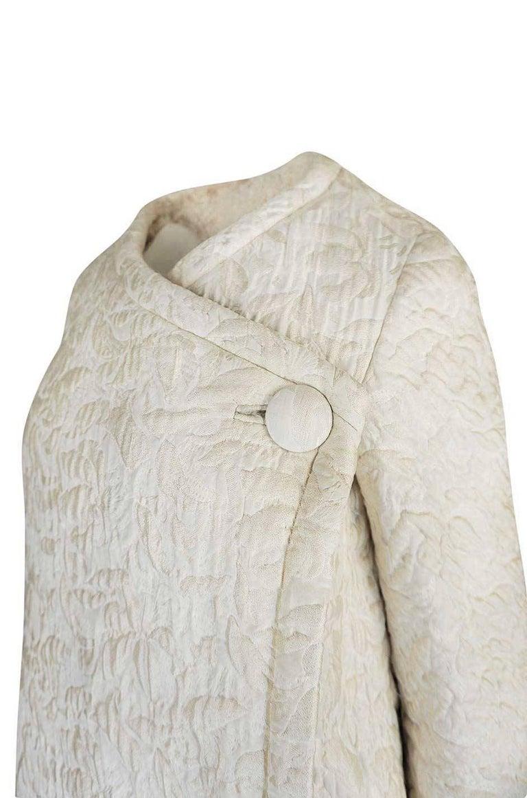 c1965 Nina Ricci Haute Couture Sheepskin Lined Ivory Silk Coat For Sale 2