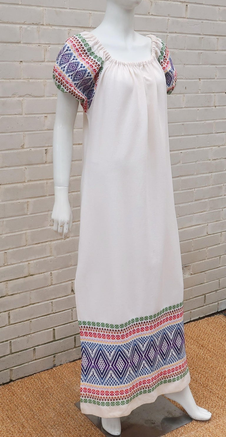 C.1970 Boho Maxi Smock Dress With Colorful Design In Good Condition For Sale In Atlanta, GA