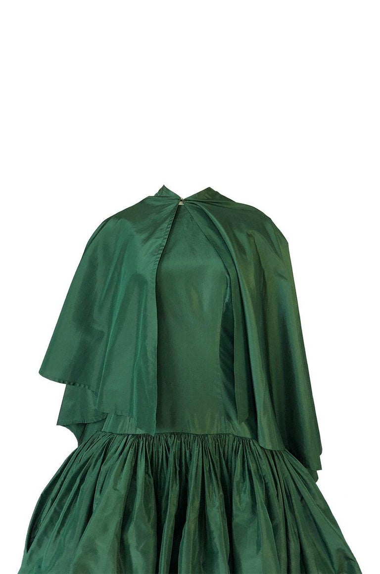 c1977 Madame Gres Haute Couture Deep Green Silk Taffeta Dress & Cape For Sale 6
