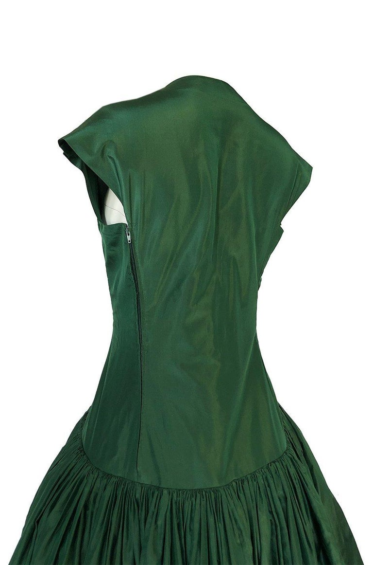 c1977 Madame Gres Haute Couture Deep Green Silk Taffeta Dress & Cape For Sale 8