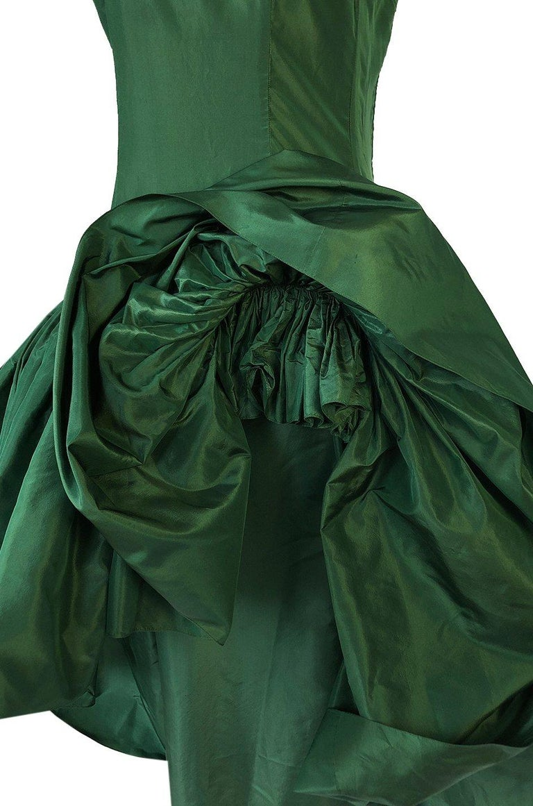 c1977 Madame Gres Haute Couture Deep Green Silk Taffeta Dress & Cape For Sale 9