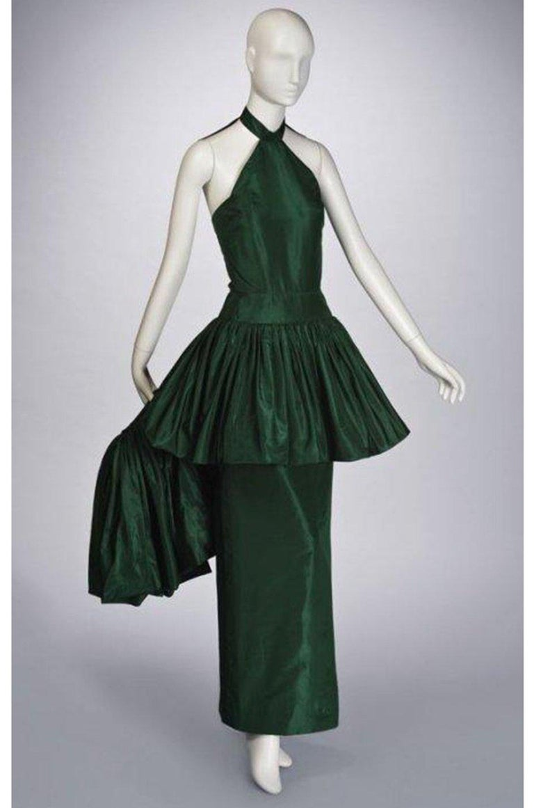 c1977 Madame Gres Haute Couture Deep Green Silk Taffeta Dress & Cape For Sale 11