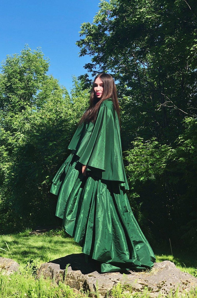 c1977 Madame Gres Haute Couture Deep Green Silk Taffeta Dress & Cape For Sale 13
