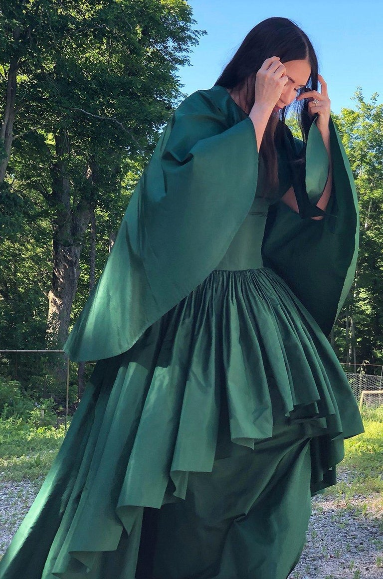 c1977 Madame Gres Haute Couture Deep Green Silk Taffeta Dress & Cape For Sale 14