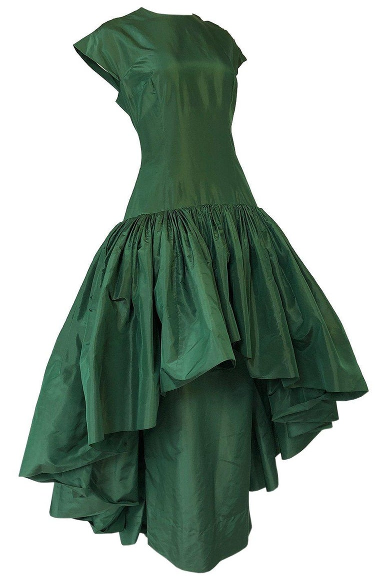 c1977 Madame Gres Haute Couture Deep Green Silk Taffeta Dress & Cape For Sale 3