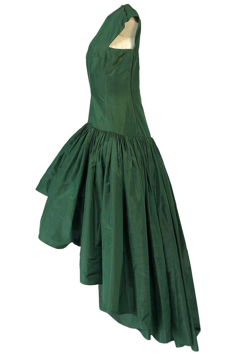 c1977 Madame Gres Haute Couture Deep Green Silk Taffeta Dress & Cape For Sale 4