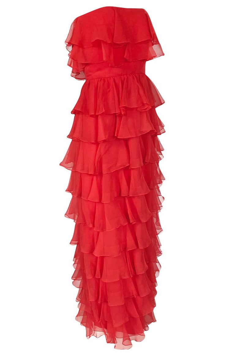 c.1977 Valentino Strapless Silk Chiffon Red Ruffle Full Length Dress In Excellent Condition For Sale In Rockwood, ON