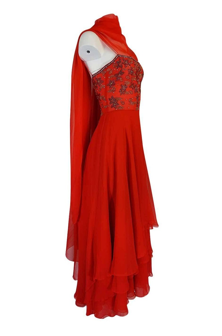 c1978 Nina Ricci Haute Couture Lesage Beaded Red Silk Chiffon Dress In Excellent Condition For Sale In Rockwood, ON